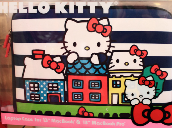 Continental-Hello-Kitty-etui-portable-fev2013