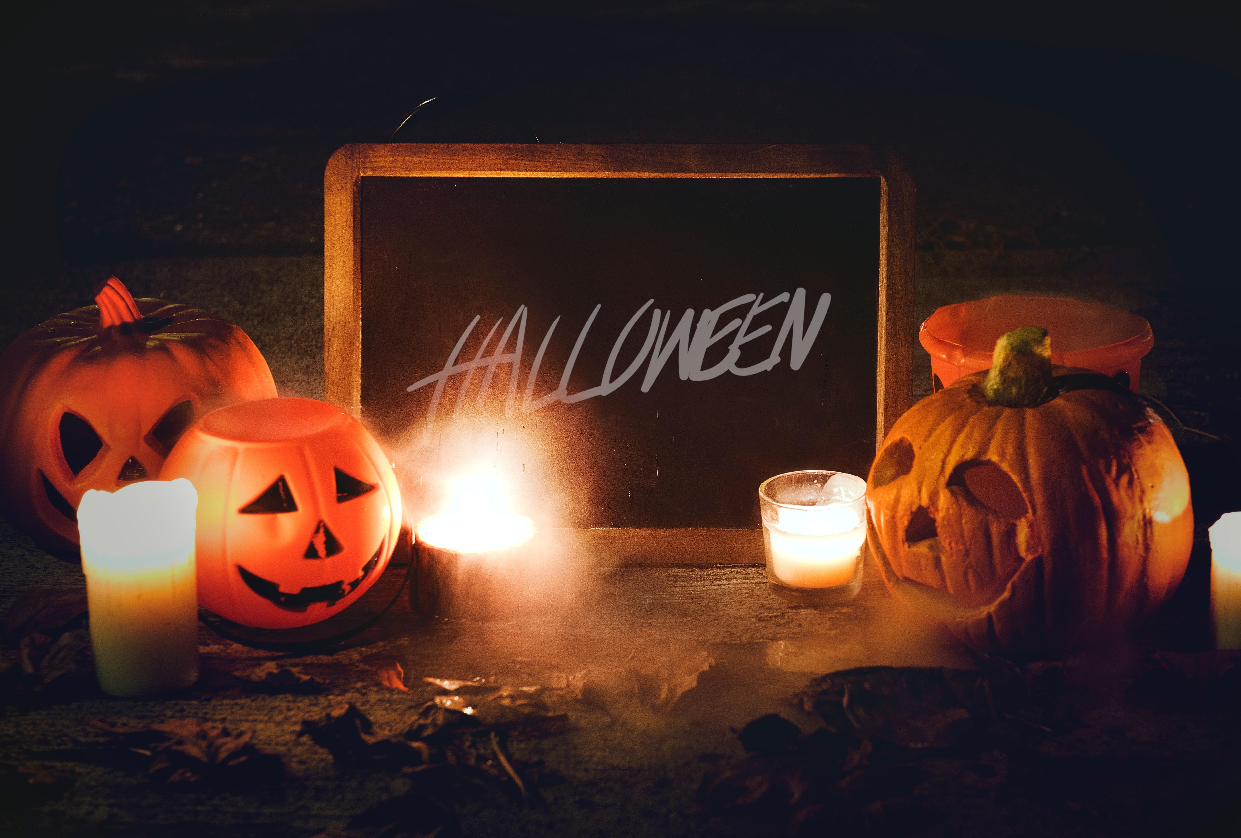 tableau noir écrit halloween