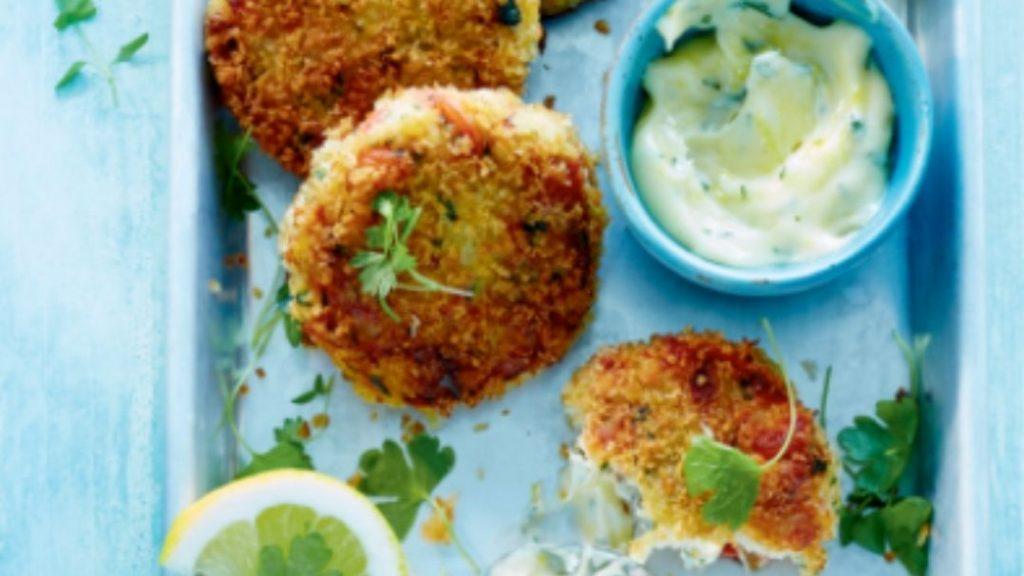 crab cakes, mayo au citron